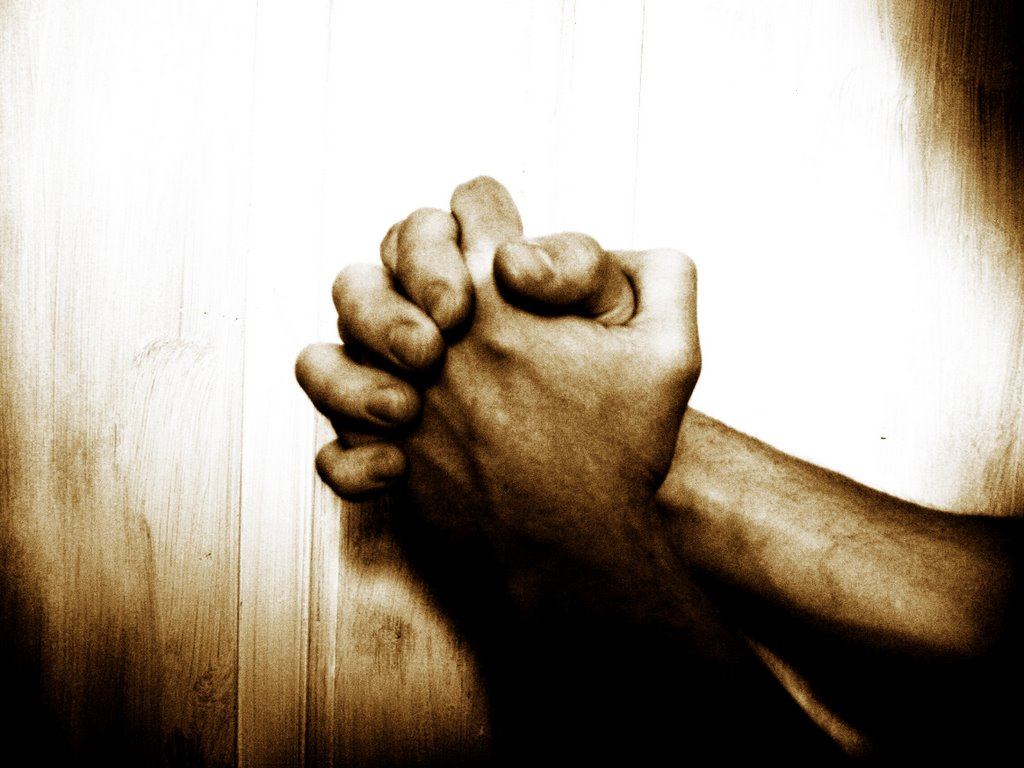 4 Compelling Reasons Why Pray For Others